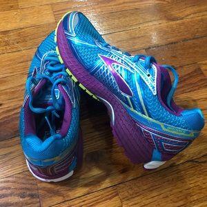 Brooks Shoes - Brooks Adrenaline GTS 15 - Women's size 8